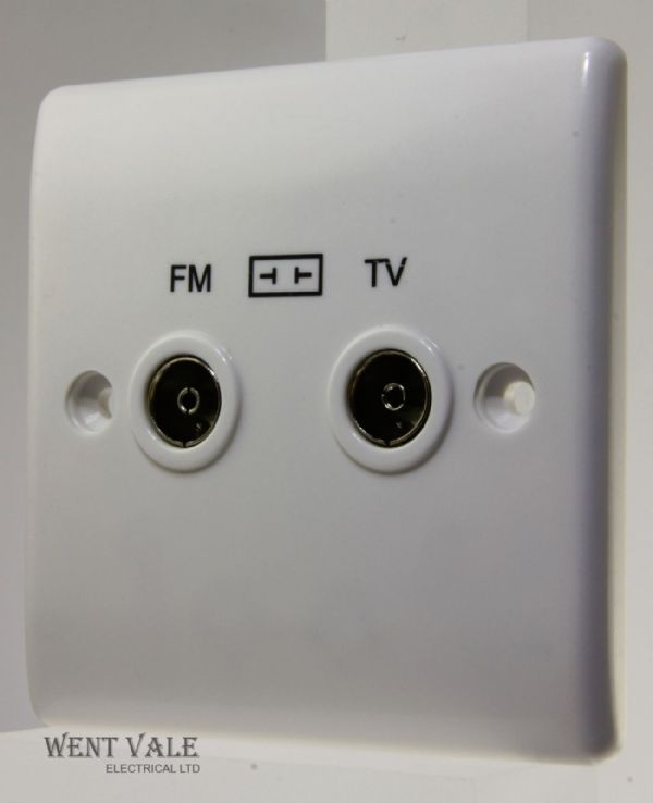 BG Nexus - 866-01 - 2 Gang TV/FM Diplexer Socket Outlet New